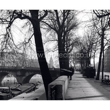 Paris city by DorothyBohm