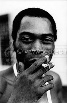 Fela Kuti. Photographer Mike Wells. - 169528_fela-kuti